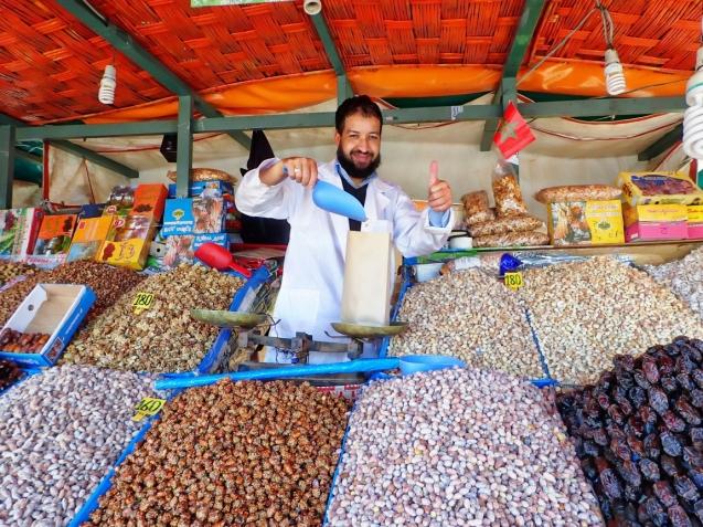 Nut vendor